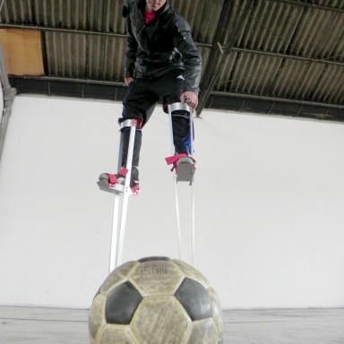 Futbol Zancos 2